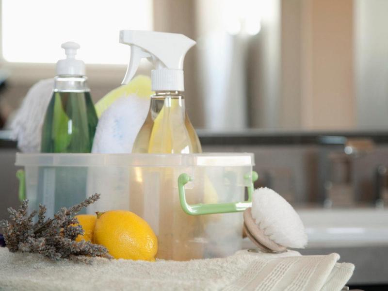 corbis-42-22231610_household-cleaning-supplies-lemons_s4x3-jpg-rend-hgtvcom-1280-960
